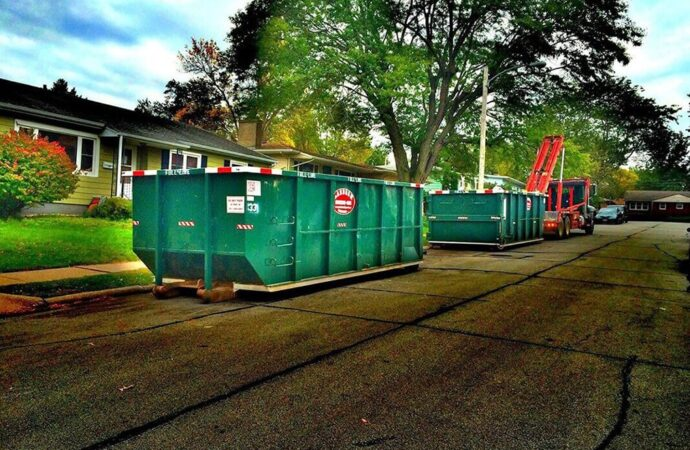 Commercial Dumpster rental services-Des Moines Dumpster Rental & Junk Removal Services-We Offer Residential and Commercial Dumpster Removal Services, Portable Toilet Services, Dumpster Rentals, Bulk Trash, Demolition Removal, Junk Hauling, Rubbish Removal, Waste Containers, Debris Removal, 20 & 30 Yard Container Rentals, and much more!