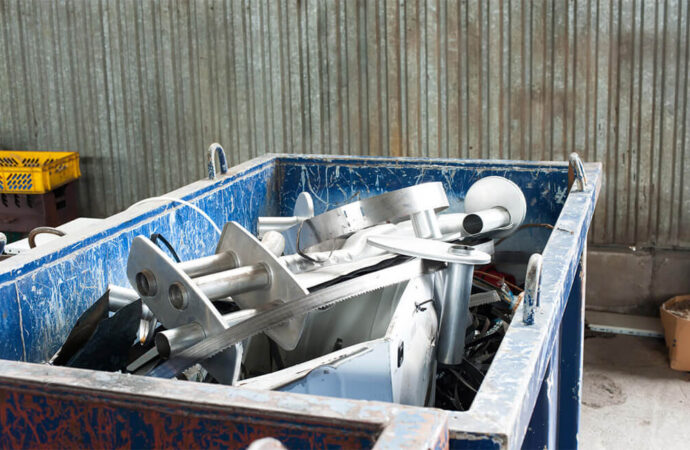 Commercial Junk Removal-Des Moines Dumpster Rental & Junk Removal Services-We Offer Residential and Commercial Dumpster Removal Services, Portable Toilet Services, Dumpster Rentals, Bulk Trash, Demolition Removal, Junk Hauling, Rubbish Removal, Waste Containers, Debris Removal, 20 & 30 Yard Container Rentals, and much more!