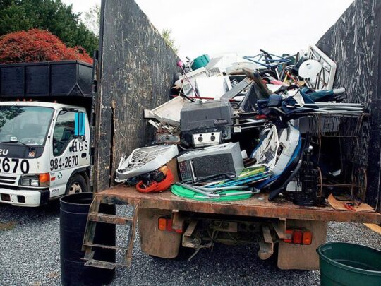 Junk Hauling-Des Moines Dumpster Rental & Junk Removal Services-We Offer Residential and Commercial Dumpster Removal Services, Portable Toilet Services, Dumpster Rentals, Bulk Trash, Demolition Removal, Junk Hauling, Rubbish Removal, Waste Containers, Debris Removal, 20 & 30 Yard Container Rentals, and much more!