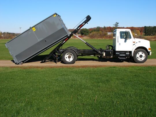 Roll Off Dumpster-Des Moines Dumpster Rental & Junk Removal Services-We Offer Residential and Commercial Dumpster Removal Services, Portable Toilet Services, Dumpster Rentals, Bulk Trash, Demolition Removal, Junk Hauling, Rubbish Removal, Waste Containers, Debris Removal, 20 & 30 Yard Container Rentals, and much more!