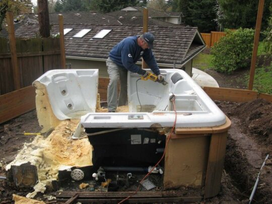 Spa Removal-Des Moines Dumpster Rental & Junk Removal Services-We Offer Residential and Commercial Dumpster Removal Services, Portable Toilet Services, Dumpster Rentals, Bulk Trash, Demolition Removal, Junk Hauling, Rubbish Removal, Waste Containers, Debris Removal, 20 & 30 Yard Container Rentals, and much more!