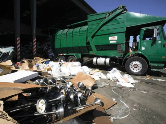 Trash Hauling-Des Moines Dumpster Rental & Junk Removal Services-We Offer Residential and Commercial Dumpster Removal Services, Portable Toilet Services, Dumpster Rentals, Bulk Trash, Demolition Removal, Junk Hauling, Rubbish Removal, Waste Containers, Debris Removal, 20 & 30 Yard Container Rentals, and much more!